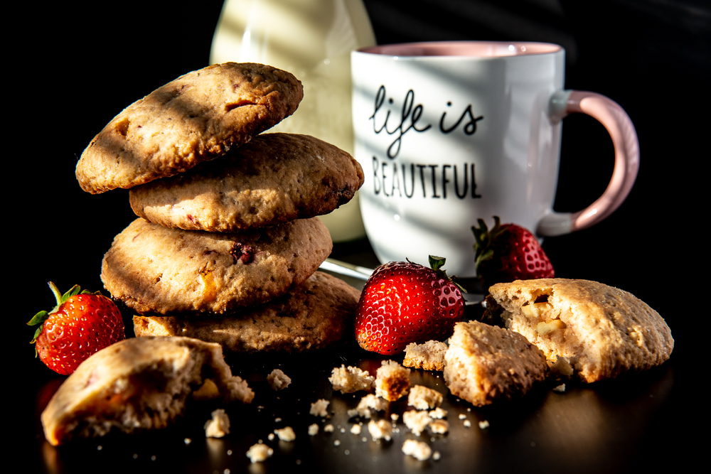 cookies with strawberry