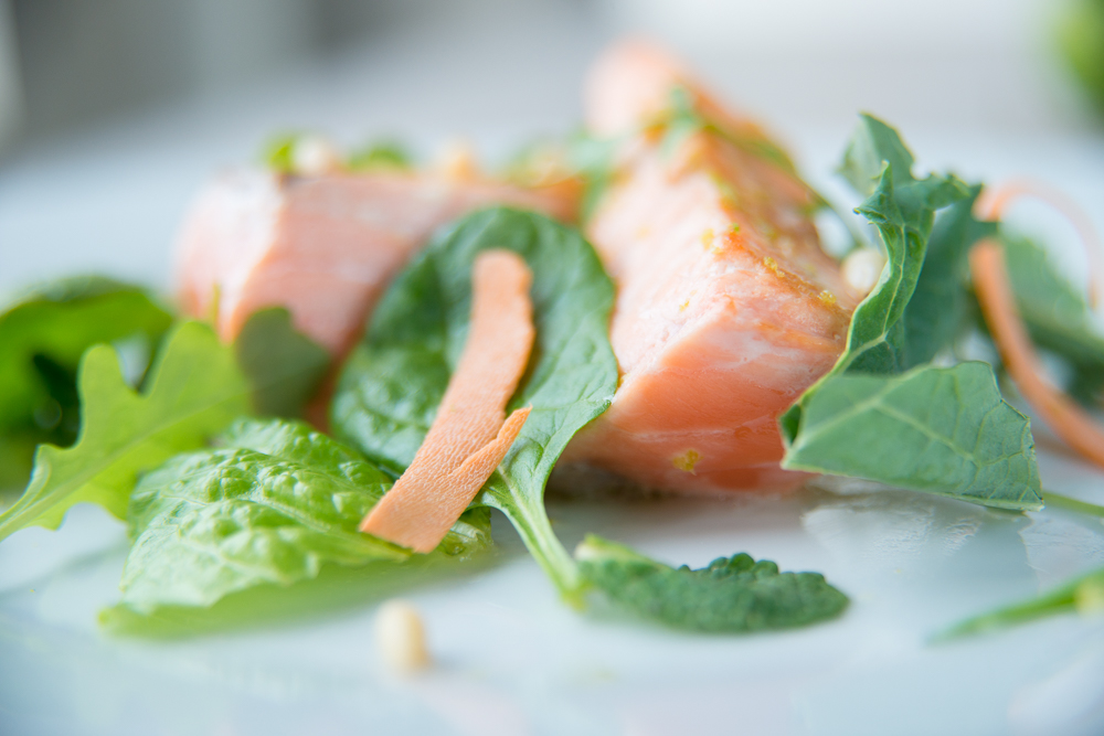 salmon with lime and spinach